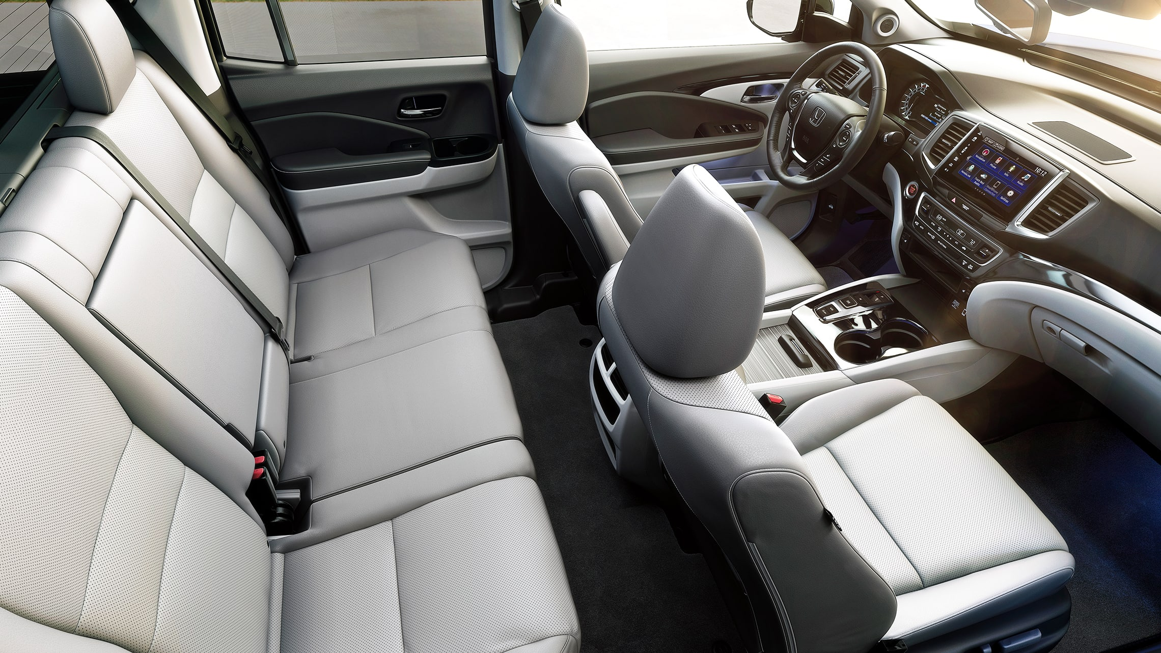 Interior passenger-side cabin view of the 2020 Honda Ridgeline RTL-E with Gray Leather.