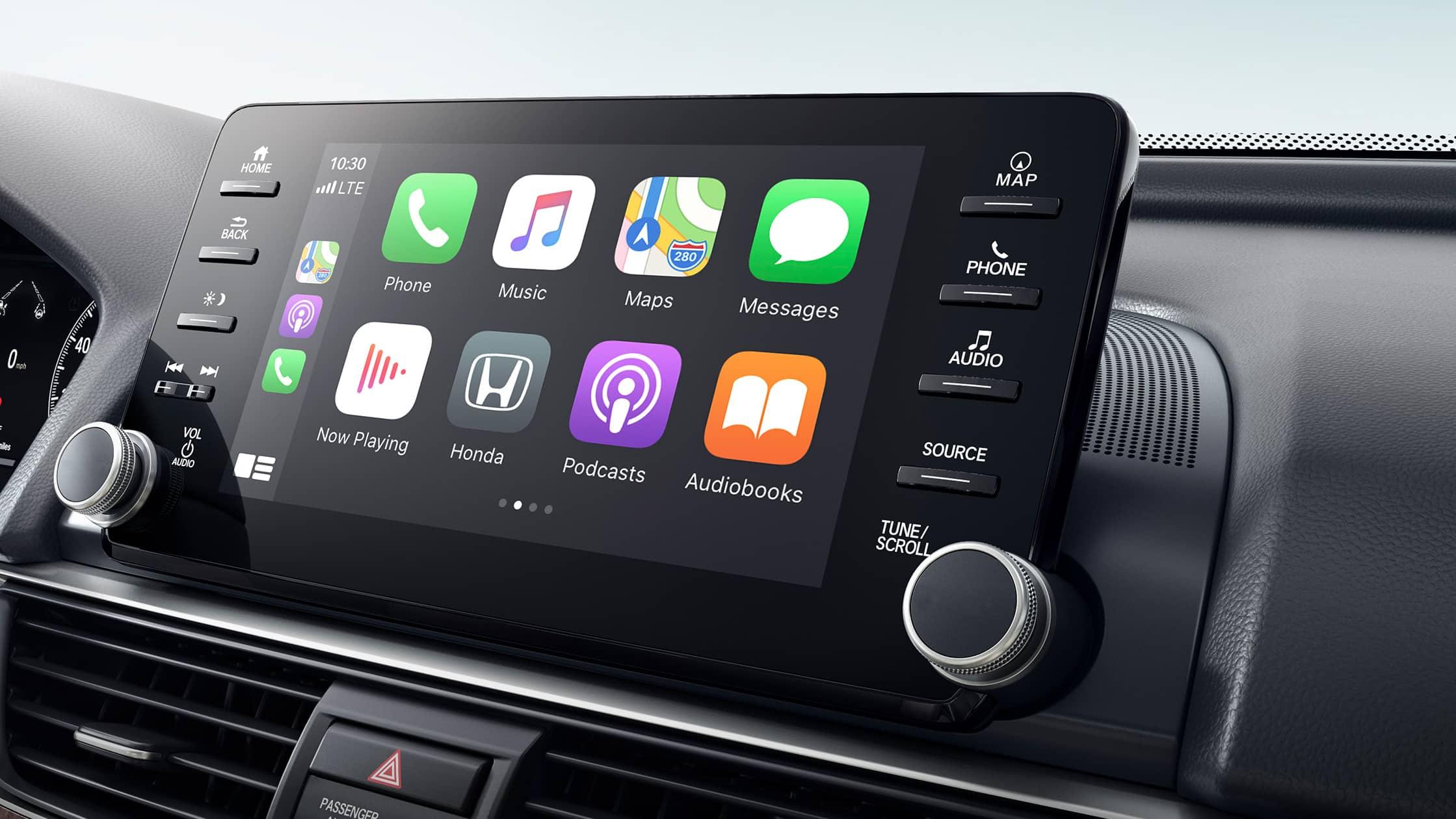 Se muestra la integración inalámbrica con AppleCarPlay® en el sistema de audio en pantalla táctil del Honda Accord Touring 2.0T2021.