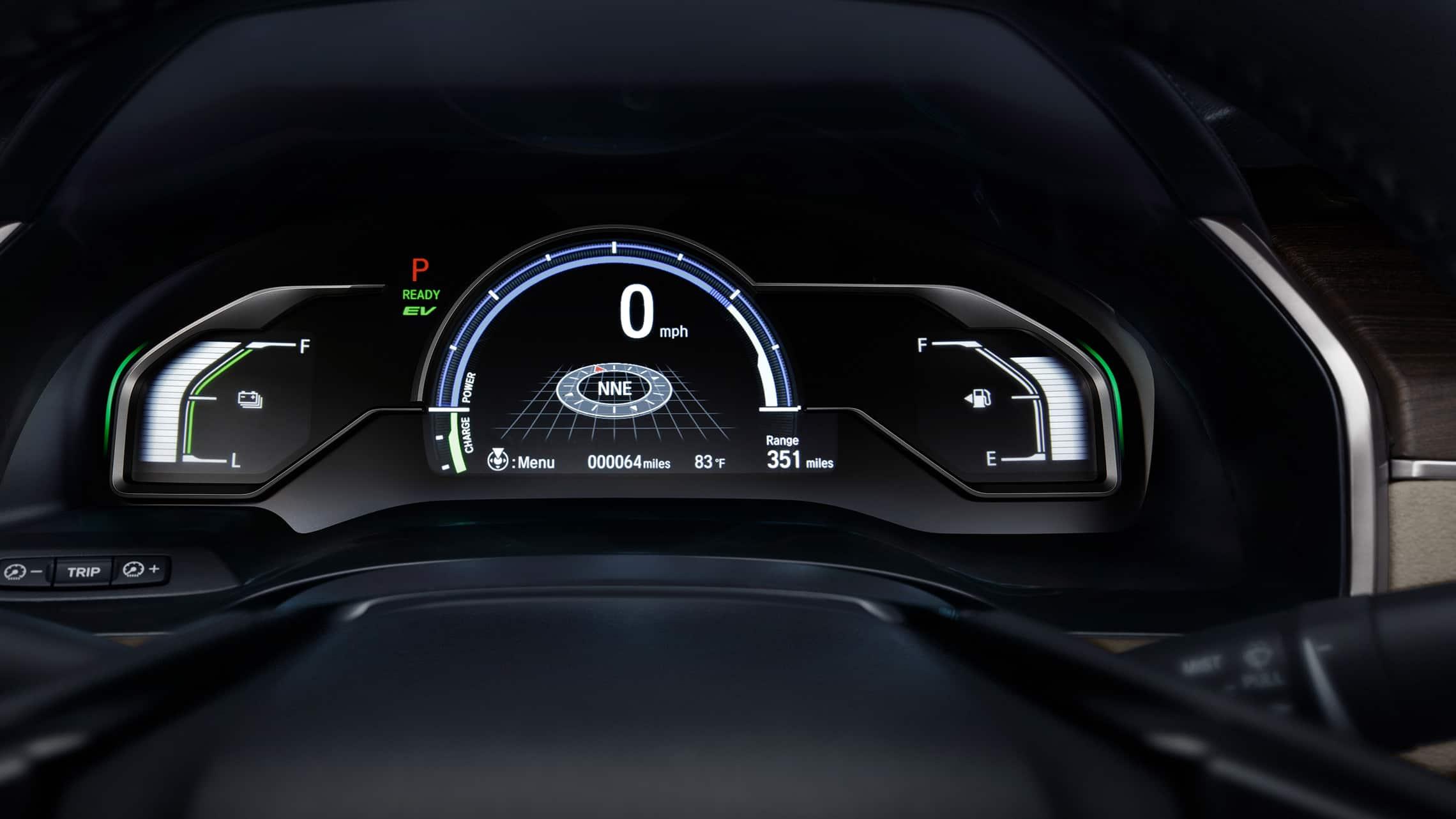 Detalle de la interfaz digital de información para el conductor en el Clarity Plug-In Hybrid2021.